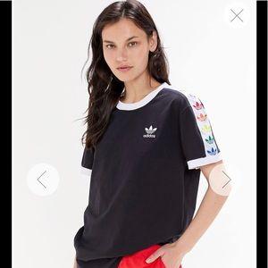 Adidas Shirt 🌈